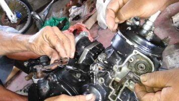 Manual Moto Honda VFR 750F Reparación Motor y sistema de escape