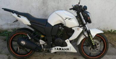 Manual de Moto Yamaha 1ES1 2010 DESCARGAR GRATIS