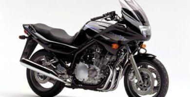 Manual de Moto Yamaha 5JD2 2000 DESCARGAR GRATIS