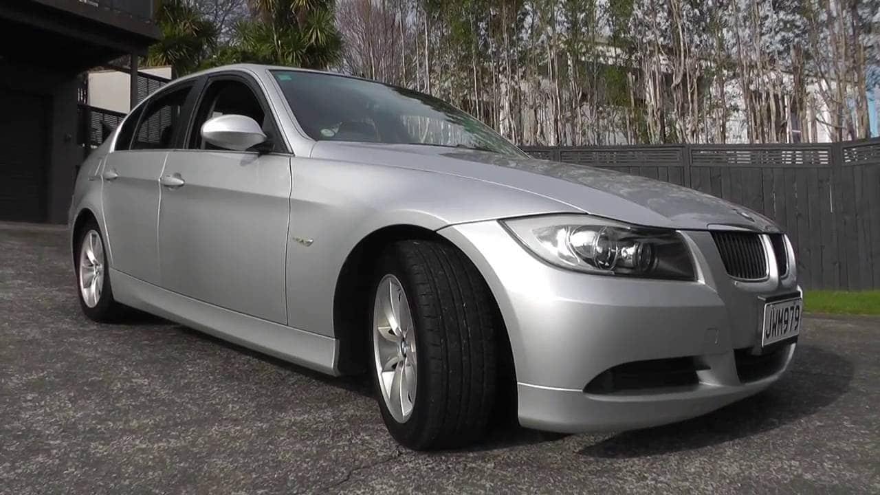 Manual BMW 323i 2007 de Propietario